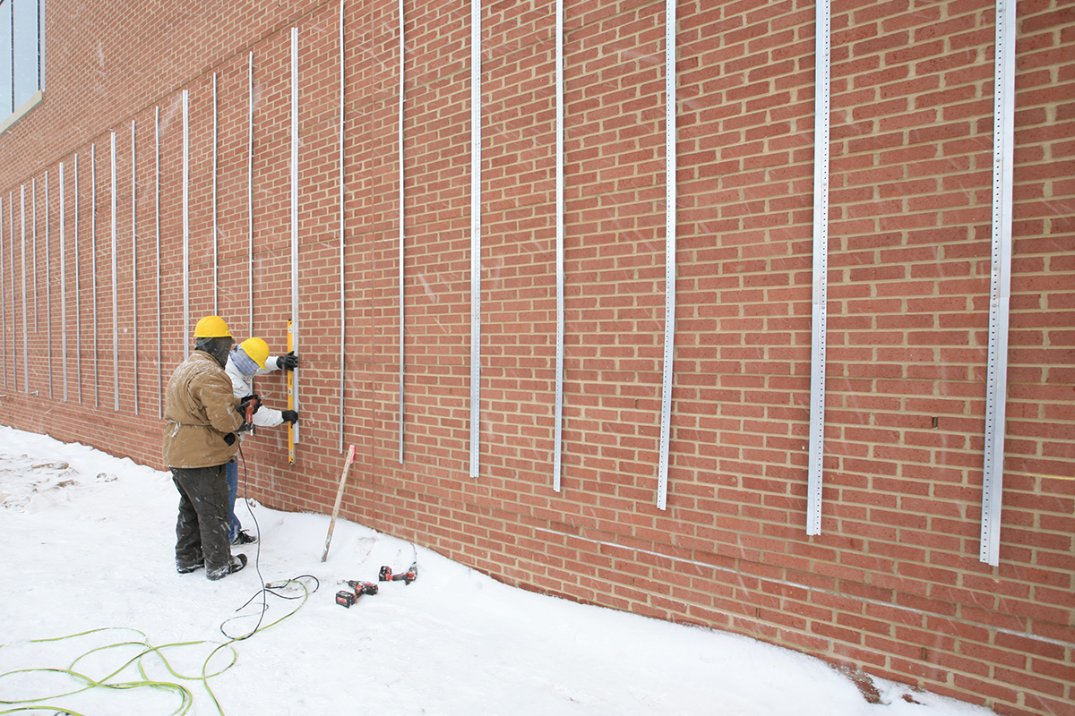 LiveWall's structure can be installed in the winter.